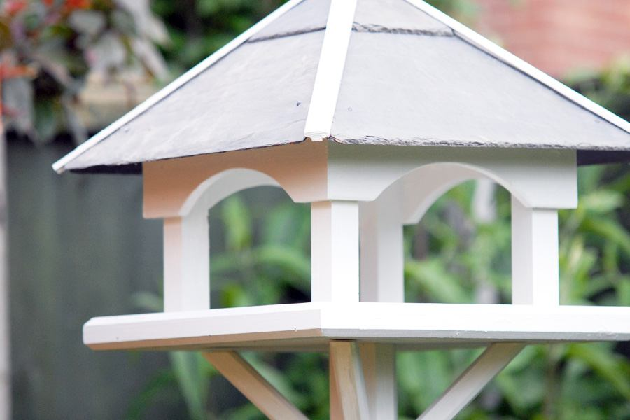 Bird tables & feeders - image 2