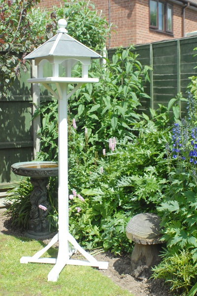 Bird tables & feeders - image 3