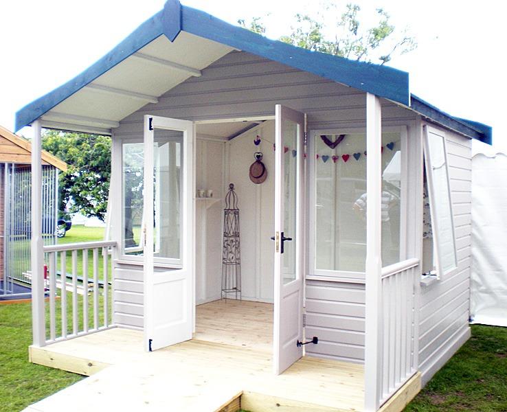 Holkham summerhouse - image 2